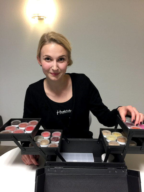 Andrea Olofsson and RMS Beauty Skonhetssnack.se