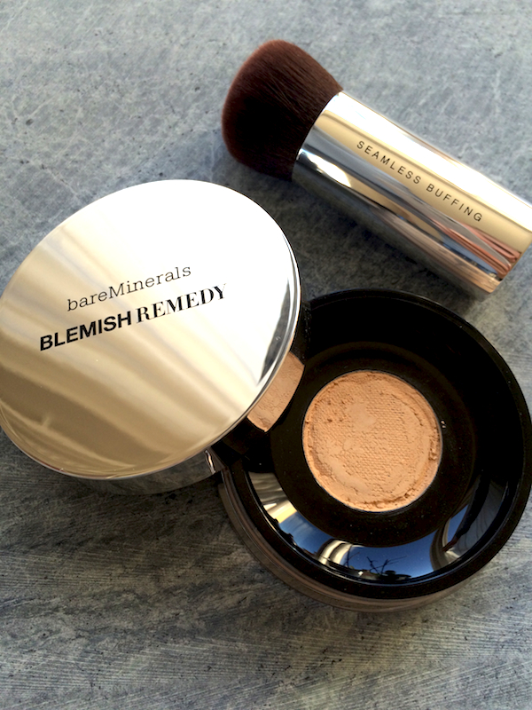 bareMinerals Blemish Remedy Foundation with brush__