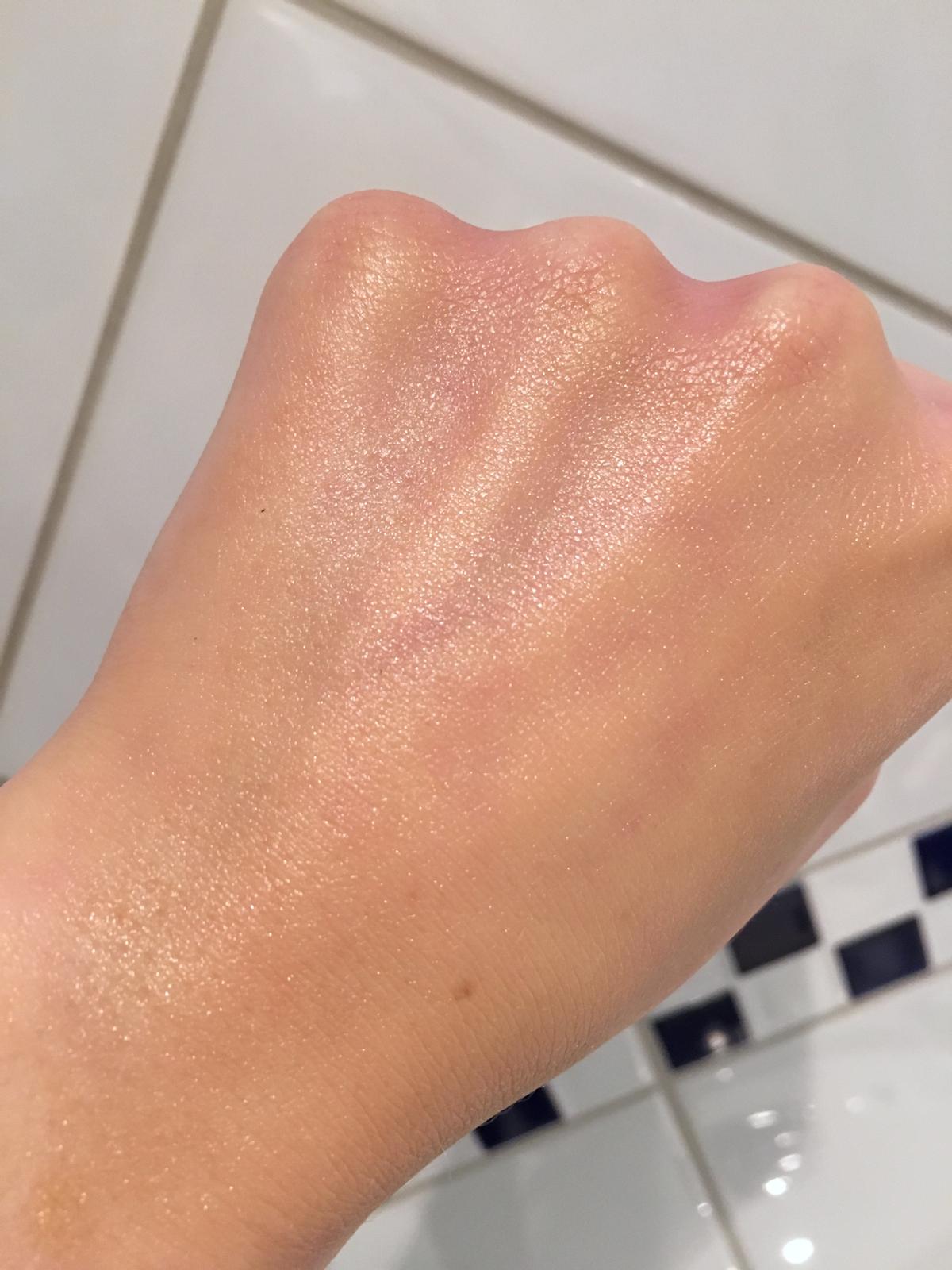 Natura Bisse the cure cream on hand|skonhetssnack.se