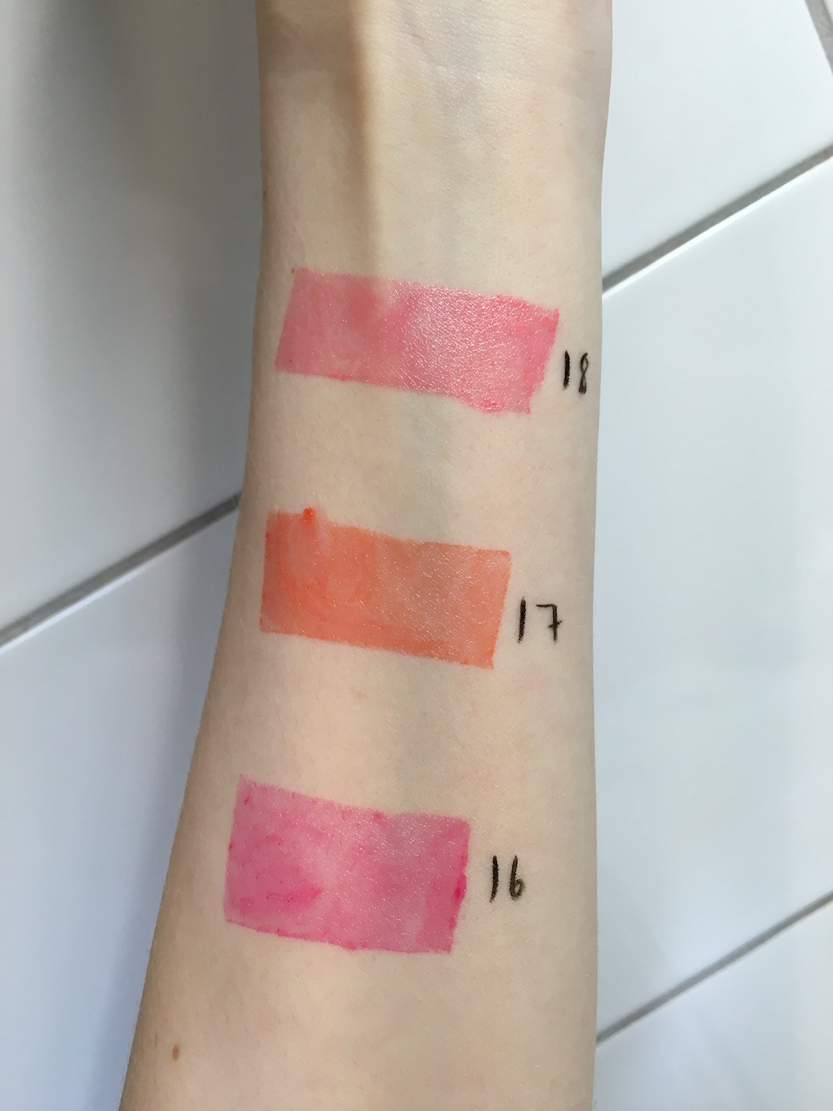 By Terry Sun Cruise Hyaluronic Sheer Rouge Limited Edition Swatshes |skonhetssnack.se
