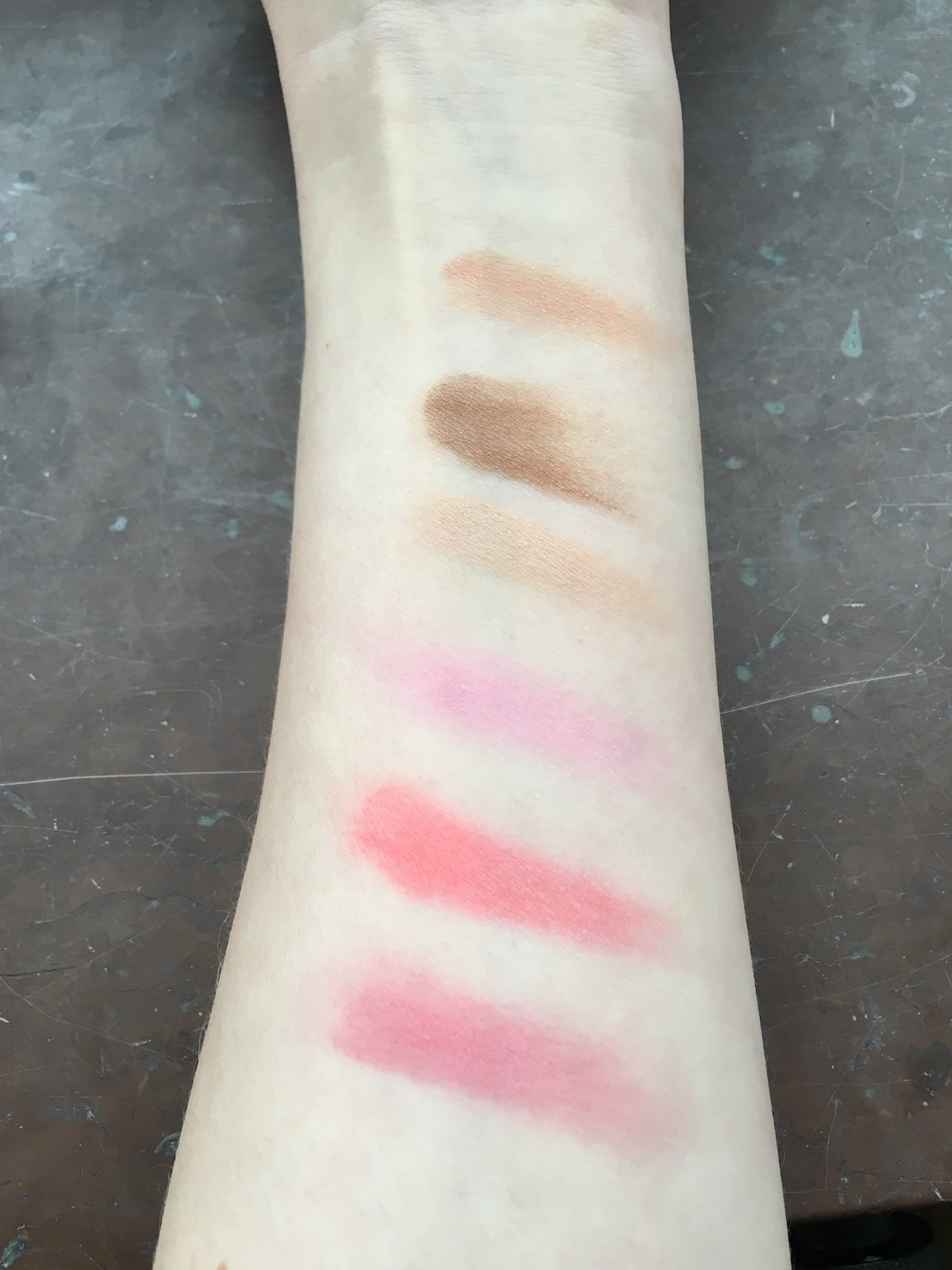 By Terry Sun Cruise Palette Tan & Flash Cruise Swatches