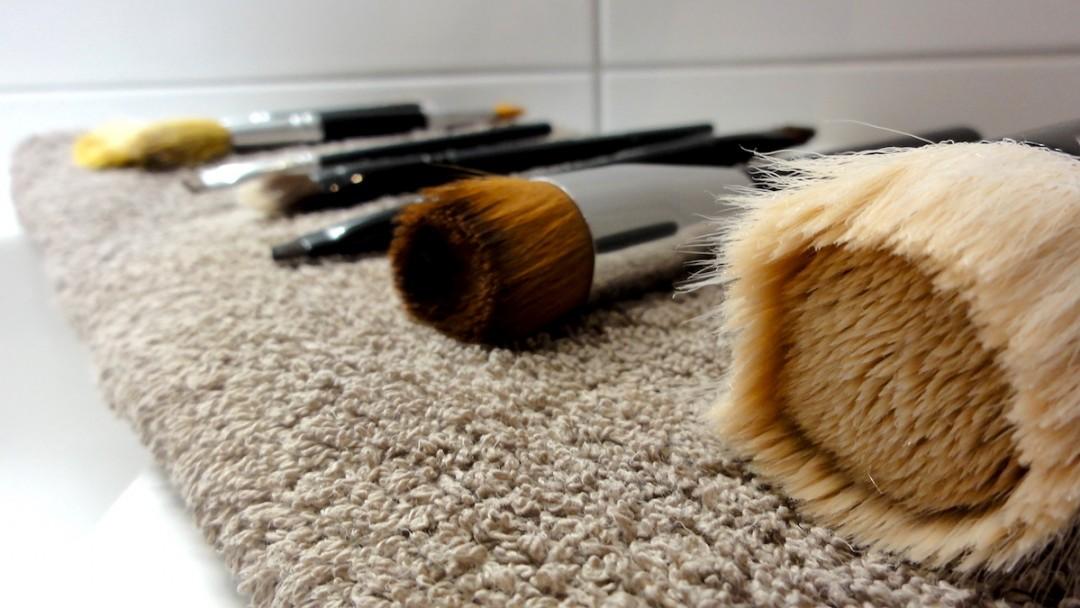 så tvättar du makeupborstar | skonhetssnack.se