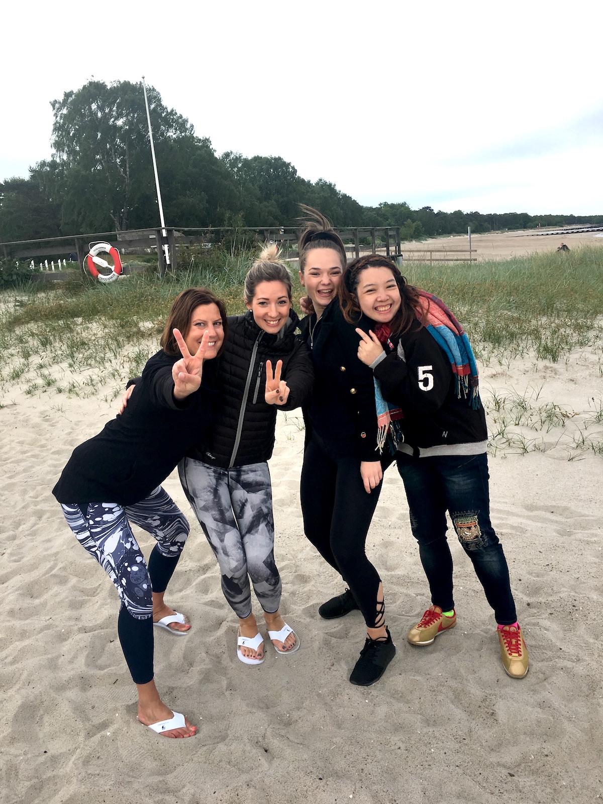Hudoteketbrudar på stranden