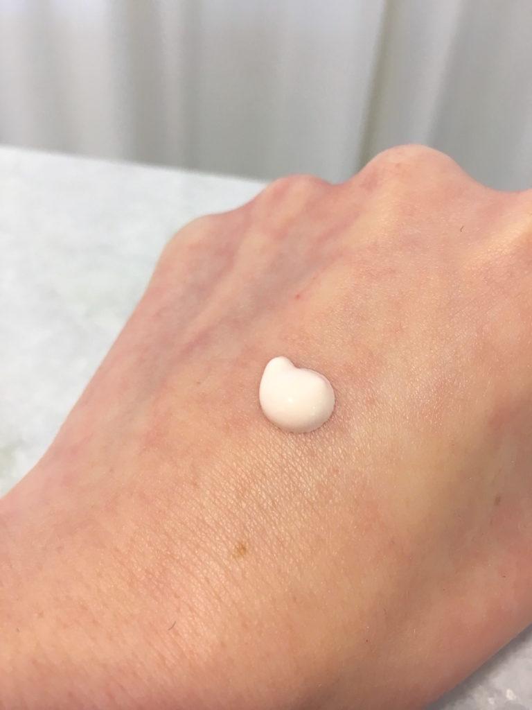 skin regimen urban shield dot on hand, skonhetssnack.seIMG_0847