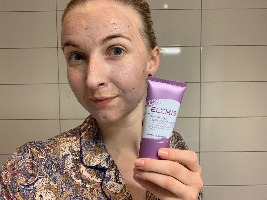 Elemis Superfood Berry Boost Mask skonhetssnack.se IMG_4714
